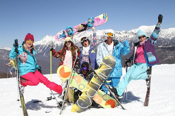 Впервые за 10 лет горнолыжные склоны Сочи открыли осенью!
